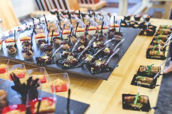5 consejos para elegir un catering de bodas adecuado